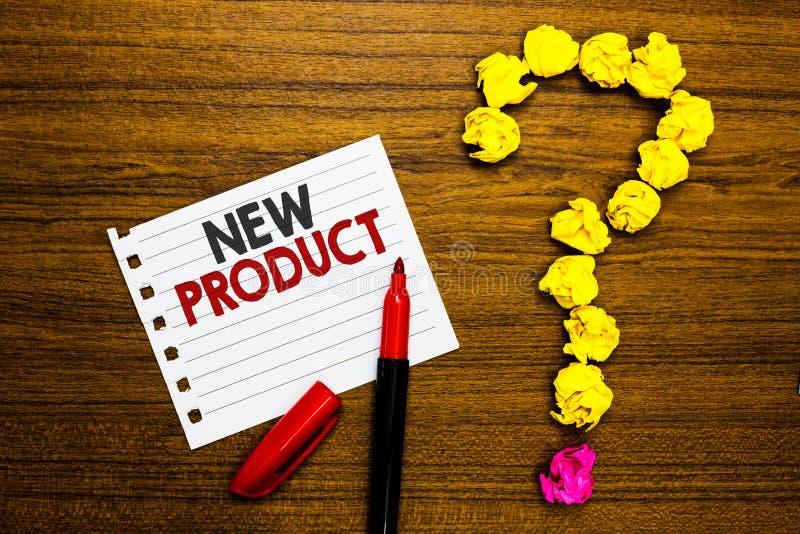 Νέο προϊόν κειμένων γραφής Η έννοια που σημαίνει τα αγαθά και τις υπηρεσίες που διαφέρουν στο δείκτη εγγράφου χαρακτηριστικών του στοκ εικόνες με δικαίωμα ελεύθερης χρήσης