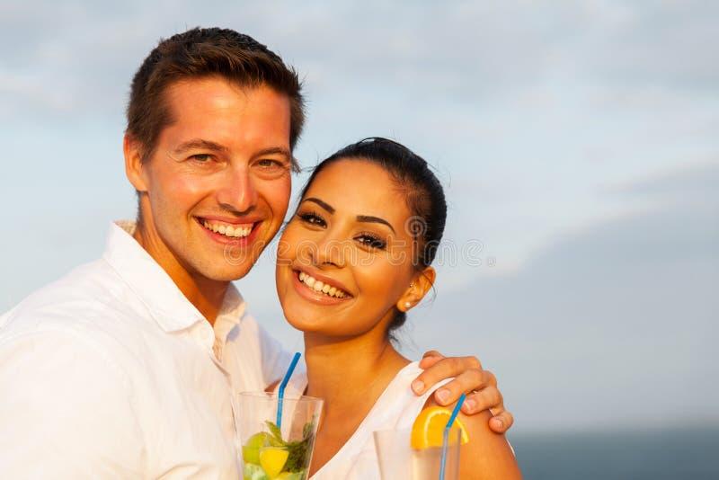 Νέο ρομαντικό ζεύγος στοκ φωτογραφία