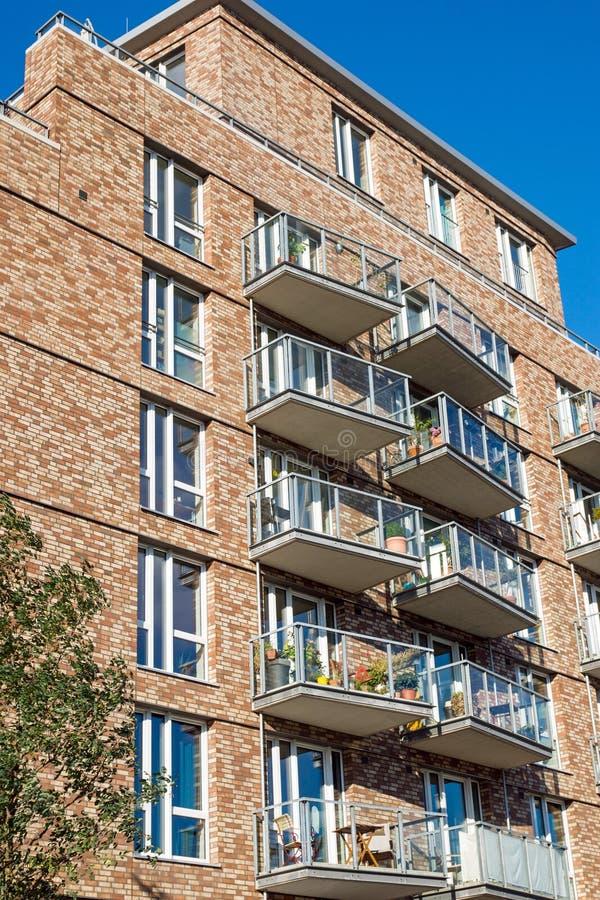 Νέο σπίτι διαμερισμάτων στο Αμβούργο στοκ εικόνα με δικαίωμα ελεύθερης χρήσης
