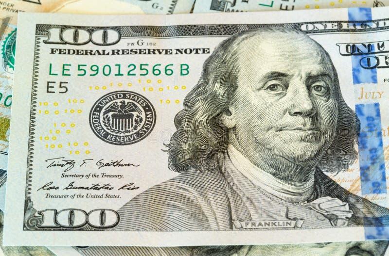 Νέο σχέδιο αμερικανικές λογαριασμοί ή σημειώσεις 100 δολαρίων στοκ εικόνα με δικαίωμα ελεύθερης χρήσης