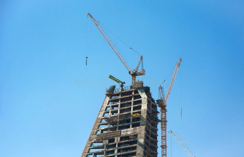 Νέο σύγχρονο ξενοδοχείο οικοδόμησης οριζόντων σε Doha κάτω από την κατα στοκ φωτογραφίες