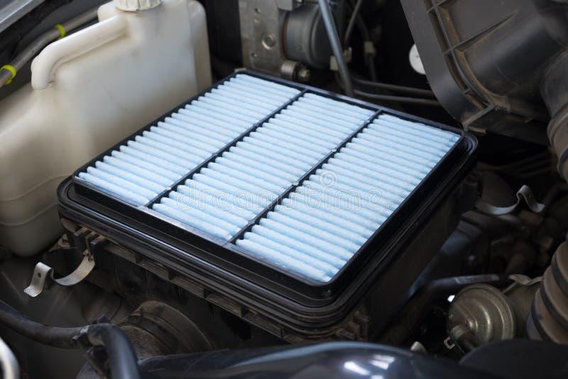 Νέο φίλτρο αέρα για το αυτοκίνητο, αυτόματο ανταλλακτικό στοκ φωτογραφία με δικαίωμα ελεύθερης χρήσης