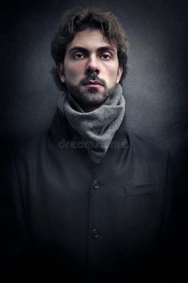 Νέο όμορφο άτομο στοκ φωτογραφίες με δικαίωμα ελεύθερης χρήσης