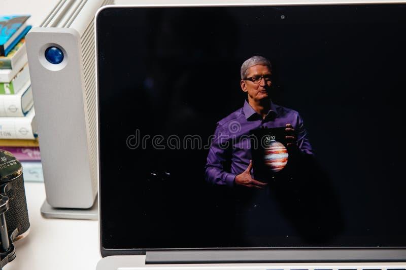 Νέο iPad υπολογιστών της Apple υπέρ, iPhone 6s, 6s συν και της Apple TV στοκ εικόνα με δικαίωμα ελεύθερης χρήσης