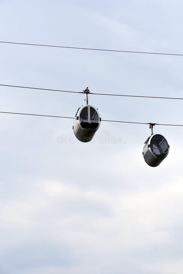 Νέο ropeway στη Μόσχα που συνδέει τους λόφους περιοχής και Vorobyovy sportsa Luzhniki στοκ φωτογραφία με δικαίωμα ελεύθερης χρήσης