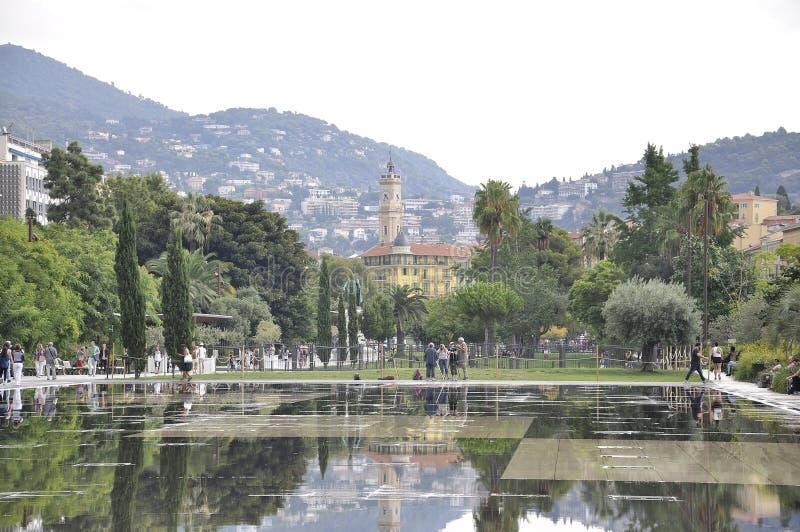 """Νίκαια, στις 6 Σεπτεμβρίου: Απεικονίζοντας την πηγή Prommenade du Paillon στο υπόστεγο Δ """"Azur Γαλλία της Νίκαιας στοκ εικόνα με δικαίωμα ελεύθερης χρήσης"""