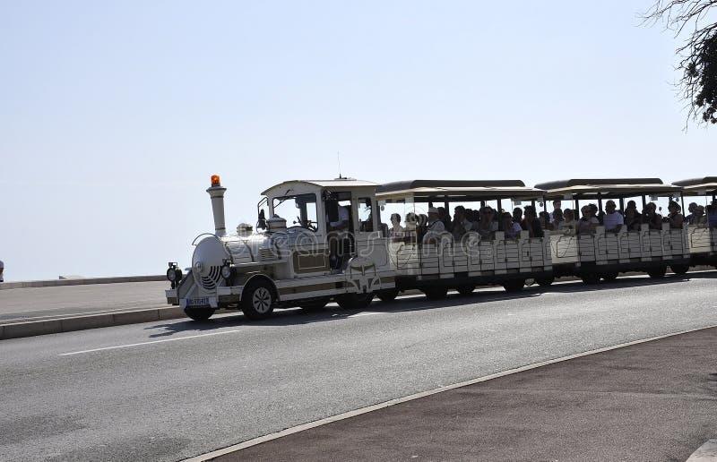 Νίκαια, στις 5 Σεπτεμβρίου: Επίσκεψη του τραμ Promenade des Anglais από τη Νίκαια γαλλικού Riviera στοκ φωτογραφία με δικαίωμα ελεύθερης χρήσης