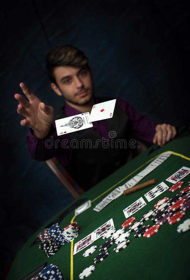 Νίκη πόκερ με το πλήρες σπίτι στοκ εικόνα με δικαίωμα ελεύθερης χρήσης