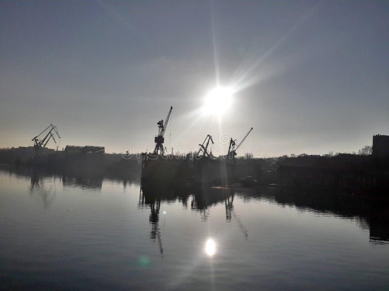 Ναυπηγείο ανατολής που πηγαίνει να απασχοληθεί στην Ουκρανία nikolaev στοκ εικόνες με δικαίωμα ελεύθερης χρήσης