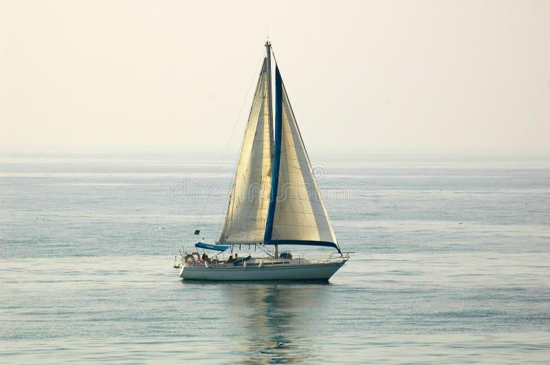 Download ναυσιπλοΐα βαρκών στοκ εικόνες. εικόνα από σκάφος, προσιτότητα - 397534