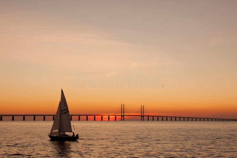 Ναυσιπλοΐα ηλιοβασιλέματος στοκ εικόνα με δικαίωμα ελεύθερης χρήσης