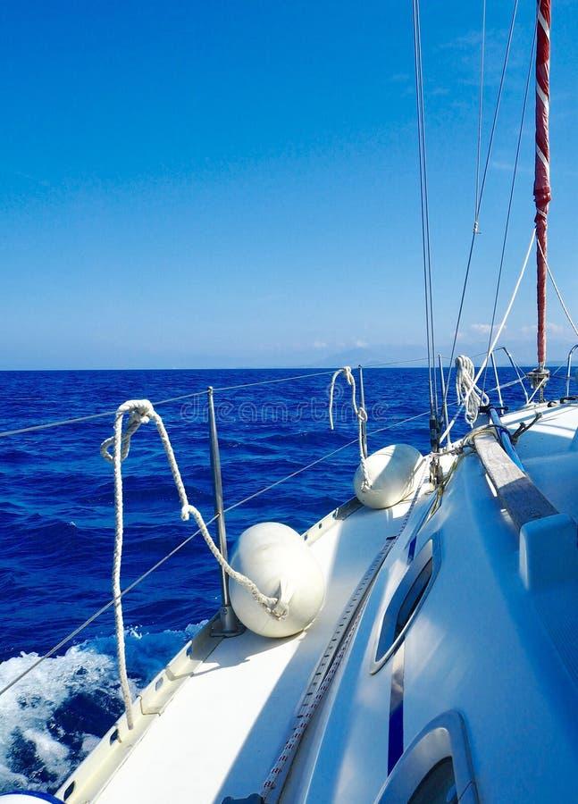 Ναυσιπλοΐα στα ελληνικά νερά στοκ εικόνα