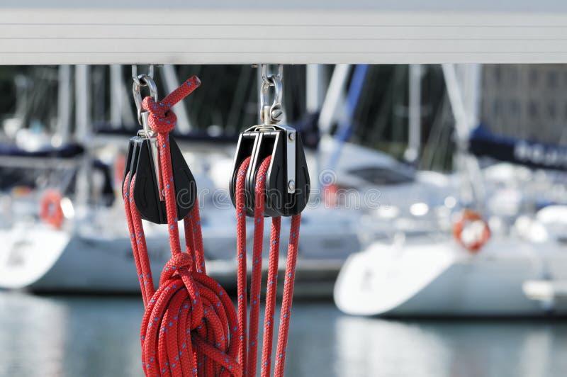 ναυσιπλοΐα σχοινιών τροχ στοκ φωτογραφία