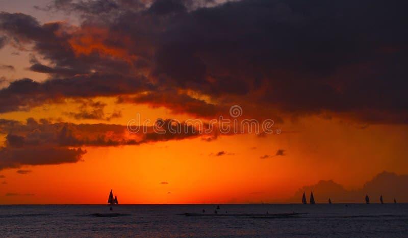 Ναυσιπλοΐα ηλιοβασιλέματος στοκ φωτογραφία με δικαίωμα ελεύθερης χρήσης