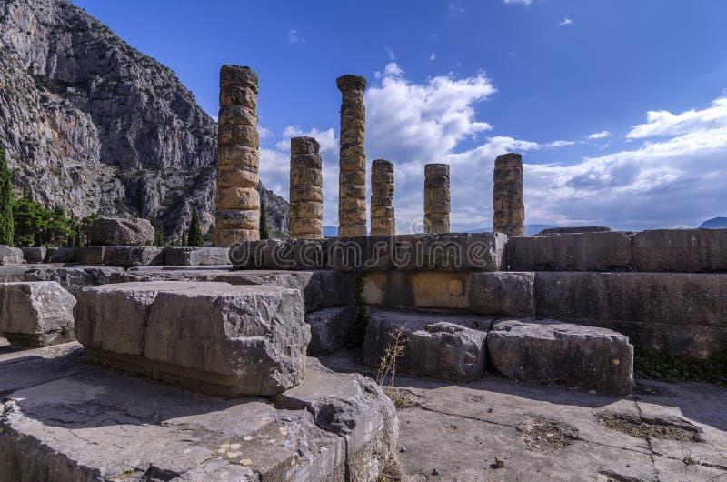 Ναός απόλλωνα επί του αρχαιολογικού τόπου των Δελφών στοκ φωτογραφίες