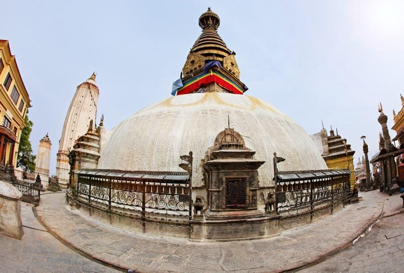 ναός ηλιοβασιλέματος stupa π&i στοκ φωτογραφίες