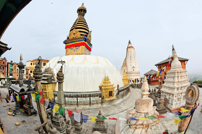 ναός ηλιοβασιλέματος stupa π&i στοκ φωτογραφία με δικαίωμα ελεύθερης χρήσης