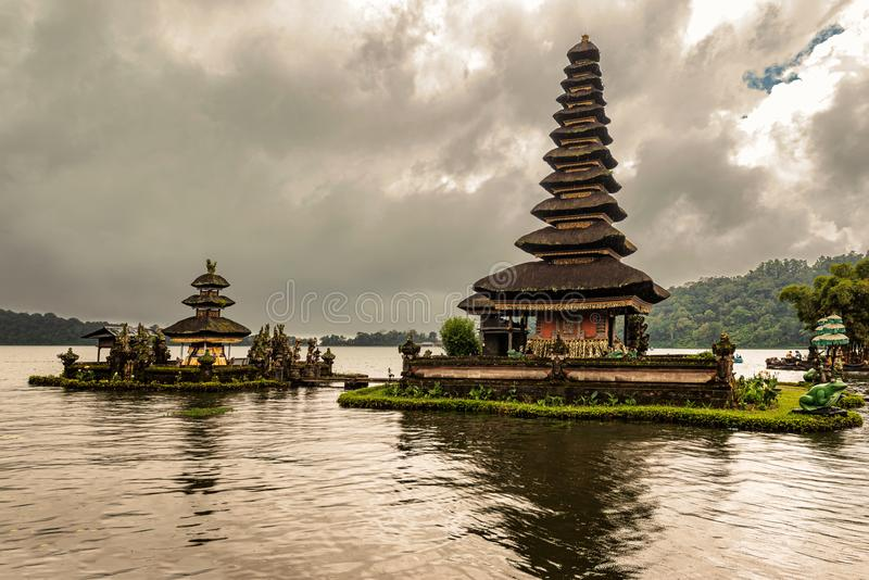 Ναός νερού Pura Ulun Danu Beratan, ή Pura Bratan στο Μπαλί, IND στοκ φωτογραφίες με δικαίωμα ελεύθερης χρήσης