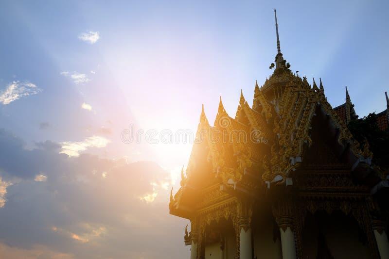 Ναός στην ανατολή στην Ταϊλάνδη στοκ εικόνες