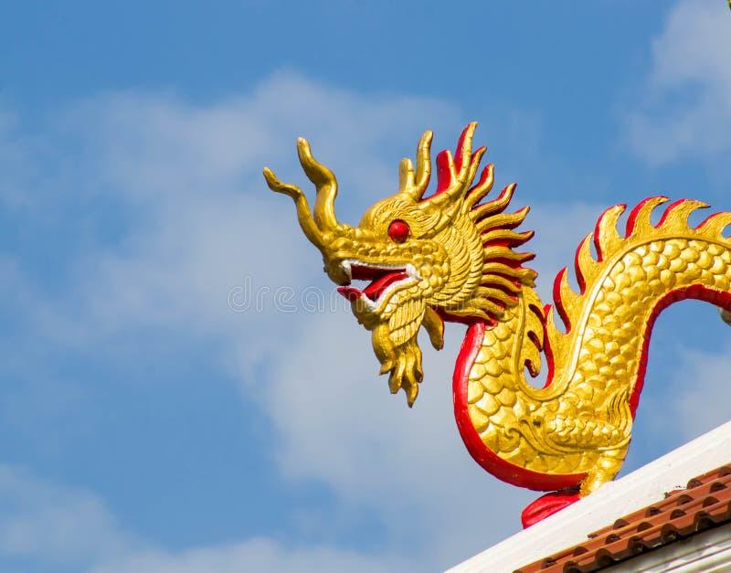 ναός Ταϊλάνδη αγαλμάτων του Σηάν δράκων buri chon στοκ φωτογραφίες