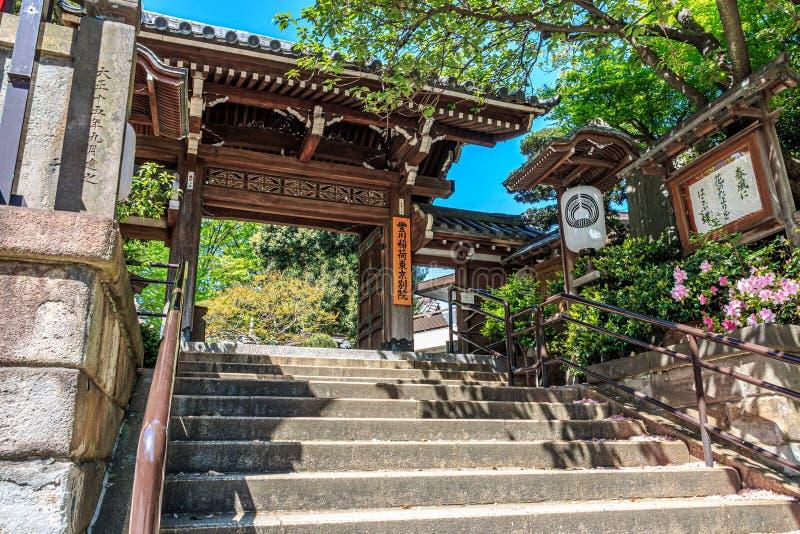 Ναός της Ιαπωνίας των λαρνάκων Inari Toyokawa στοκ εικόνα