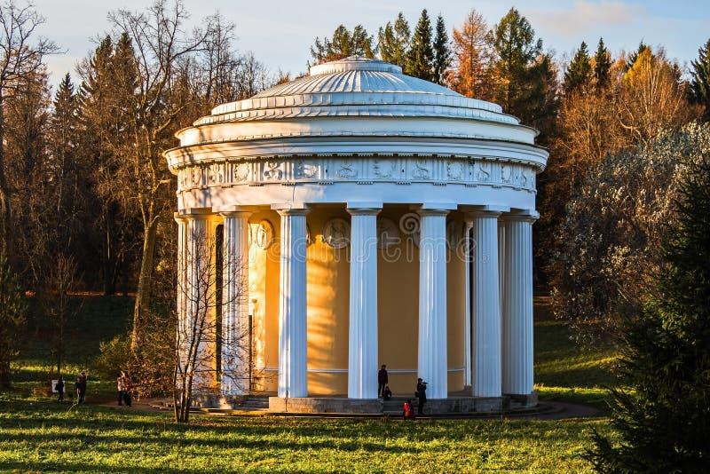 Ναός της φιλίας στο κλασσικό ύφος του αρχιτέκτονα Cameron στοκ φωτογραφίες
