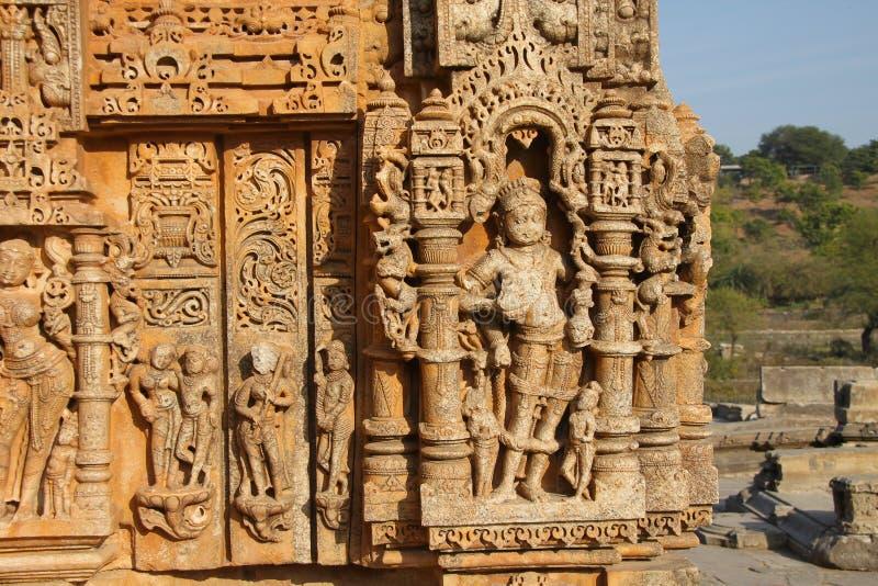 Ναός της Sas Bahu γλυπτικών ανακούφισης Bas στην πόλη Gwalior, Rajasthan, Ινδία στοκ εικόνες