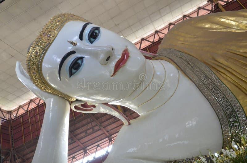 Ναός του Βούδα Chaukhtatgyi στοκ φωτογραφίες