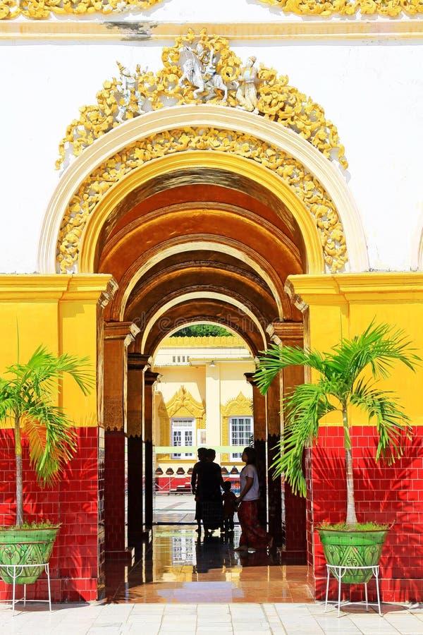 Ναός του Βούδα Mahamuni, Mandalay, το Μιανμάρ στοκ φωτογραφίες