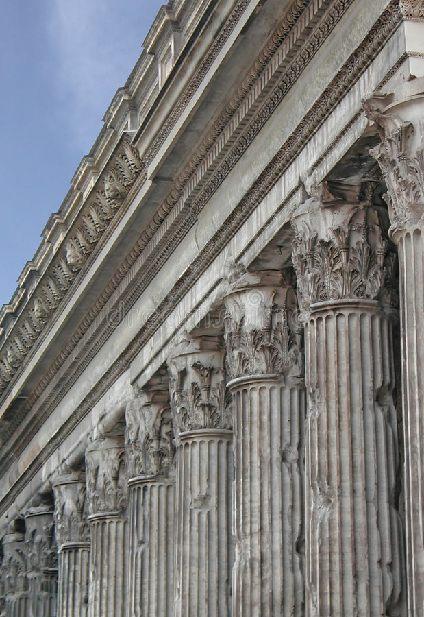 ναός του Adrian Ιταλία Ρώμη s στοκ εικόνα με δικαίωμα ελεύθερης χρήσης