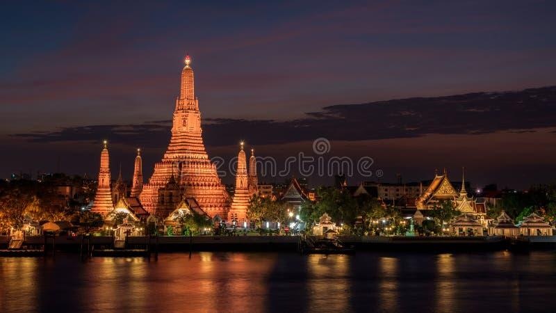 Ναός Arun Wat στο ηλιοβασίλεμα στη Μπανγκόκ Ταϊλάνδη στοκ εικόνες