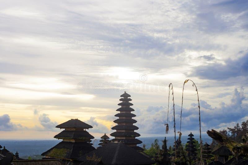 Ναός Besakih Pura σύνθετος στο ηλιοβασίλεμα στο Μπαλί, Ινδονησία στοκ εικόνες με δικαίωμα ελεύθερης χρήσης