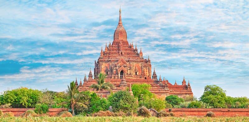 Ναός Htilominlo σε Bagan Myanmar στοκ φωτογραφία