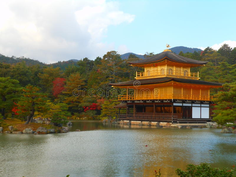 Download ναός kinkakuji στοκ εικόνες. εικόνα από ναός, φθινοπώρου - 62713676