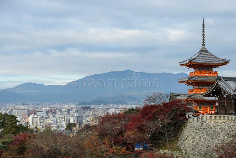 Ναός kiyomizu-Dera στην εποχή φθινοπώρου στο Κιότο, Ιαπωνία στοκ εικόνες