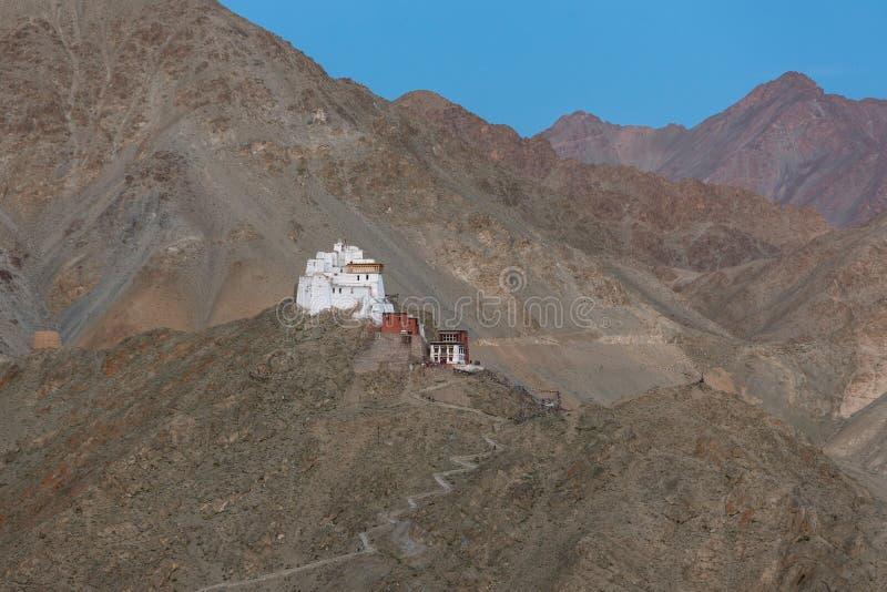 Ναός Maitreya Tsemo στο λυκόφως σε Leh, Ladakh στοκ φωτογραφίες με δικαίωμα ελεύθερης χρήσης
