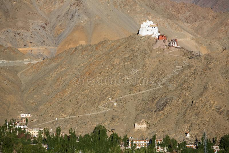 Ναός Maitreya Tsemo στο λυκόφως σε Leh, Ladakh στοκ εικόνα