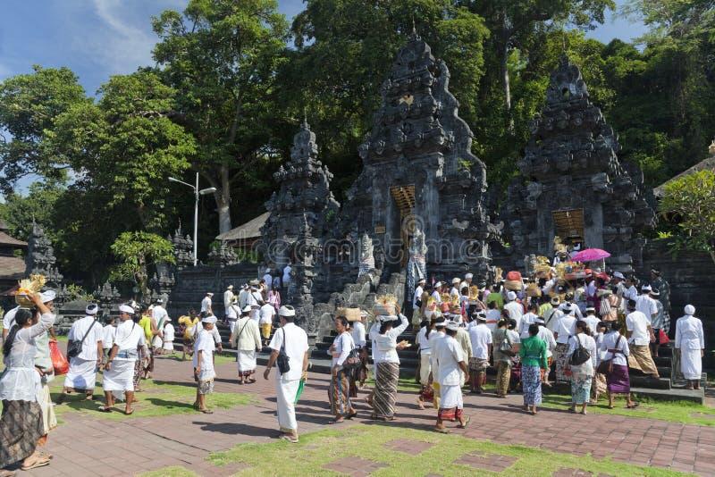 ναός pura της Ινδονησίας goa πλήθ&o στοκ φωτογραφία