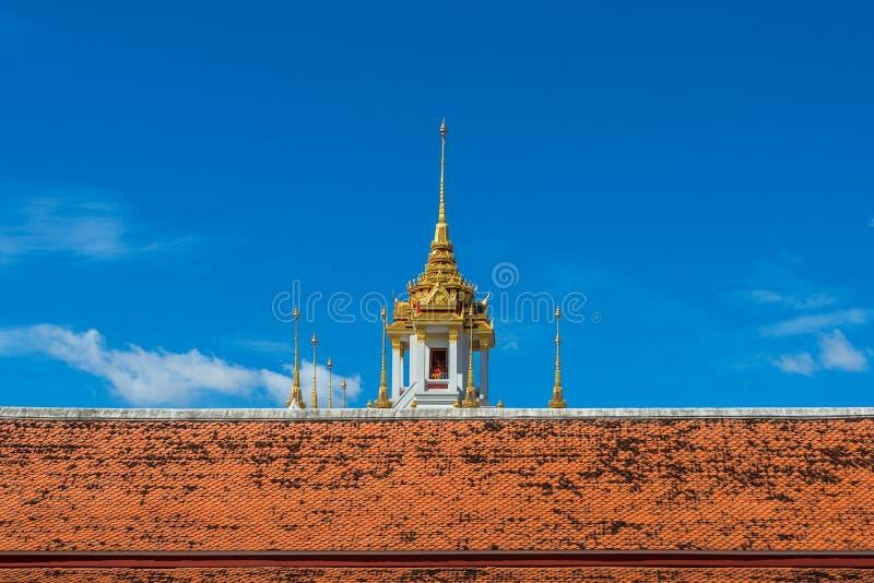 Ναός Ratchanatda Wat του χρυσού διάσημου μέρους του Castle μετάλλων στη Μπανγκόκ Ταϊλάνδη στοκ εικόνα με δικαίωμα ελεύθερης χρήσης