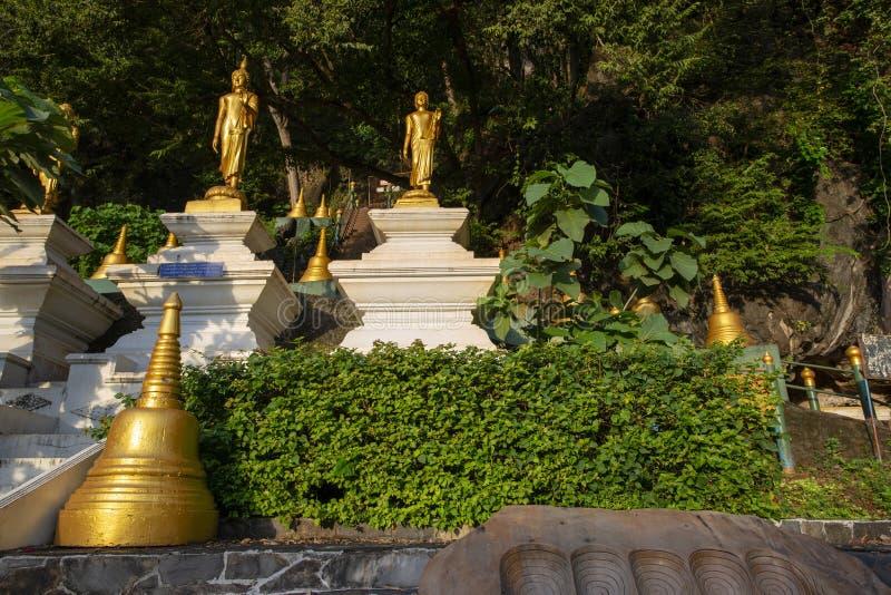 Ναός sua Wat tham στοκ εικόνες
