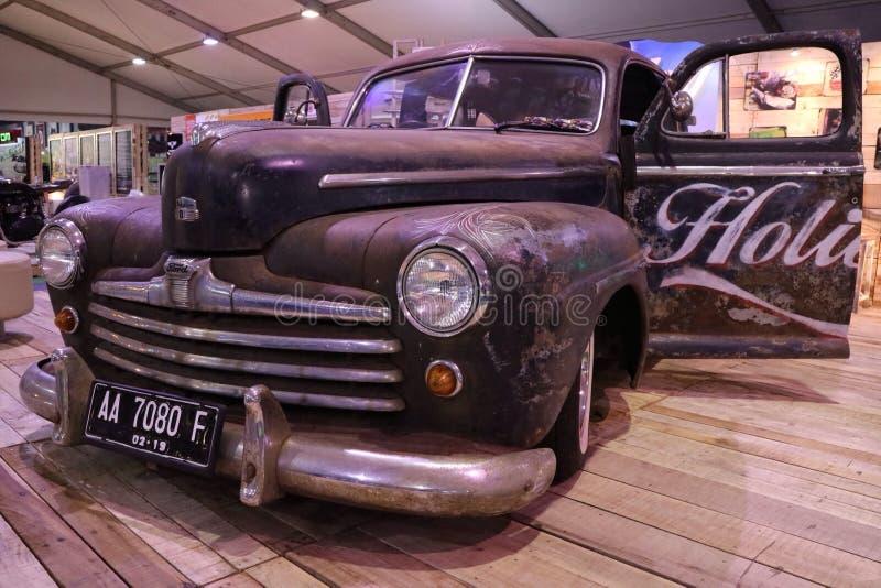 Να λάμψει του παλαιού γιγαντιαίου αυτοκινήτου ακόμα στοκ φωτογραφία με δικαίωμα ελεύθερης χρήσης
