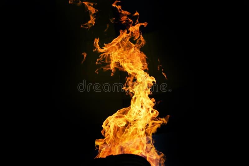Να ανάψει επάνω την πυρκαγιά αερίου μέσα του μπαλονιού αέρα στοκ φωτογραφίες