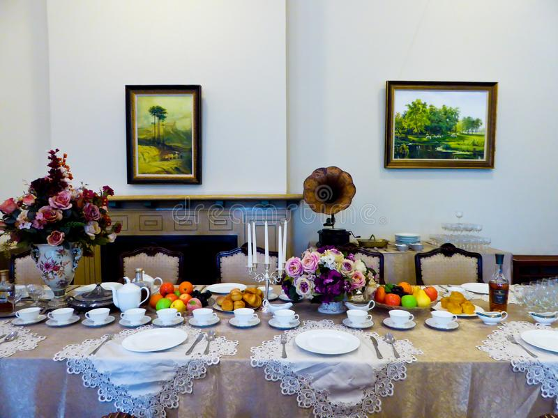 Να δειπνήσει πίνακας μέσα στο παλάτι Meiling στοκ φωτογραφίες