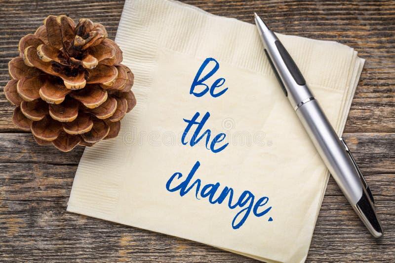 Να είστε η αλλαγή - υπενθύμιση πετσετών στοκ φωτογραφία με δικαίωμα ελεύθερης χρήσης