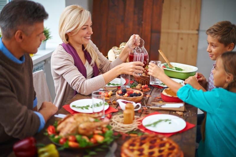 Να δειπνήσει από κοινού στοκ εικόνες