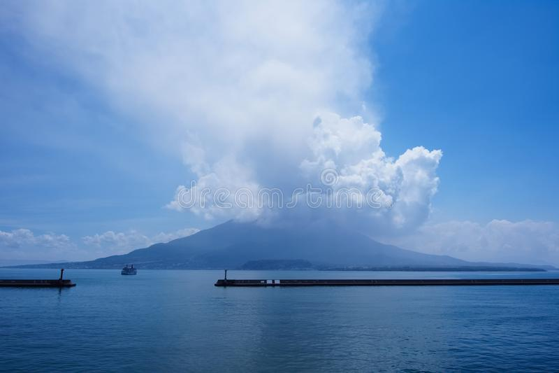 Να εκραγεί Sakura Jima στοκ φωτογραφίες
