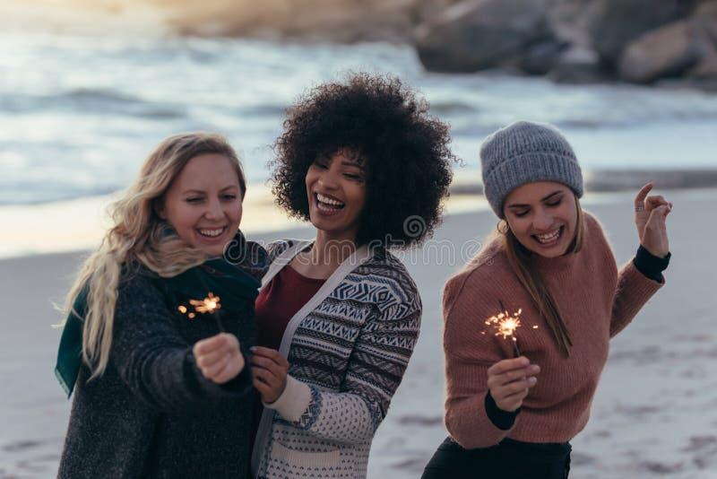 Να εξισώσει με τους καλύτερους φίλους στοκ φωτογραφίες με δικαίωμα ελεύθερης χρήσης