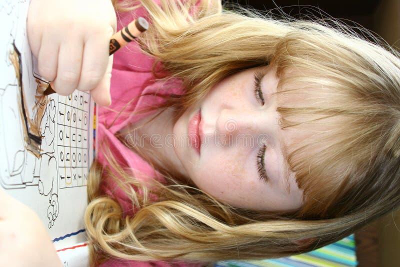 Download να κάνει την εργασία κοριτσιών Στοκ Εικόνες - εικόνα από κορίτσι, σχολείο: 2227018