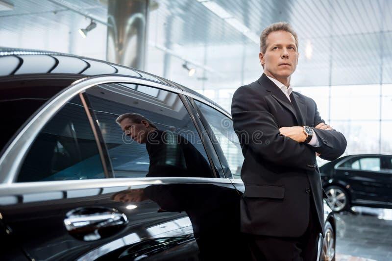 Να ονειρευτεί ένα νέο αυτοκίνητο. στοκ εικόνες με δικαίωμα ελεύθερης χρήσης