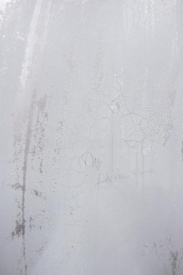Να πελεκήσει το λευκό ραγίσματος το ανοξείδωτο στοκ εικόνες με δικαίωμα ελεύθερης χρήσης